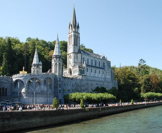 Lourdes y París